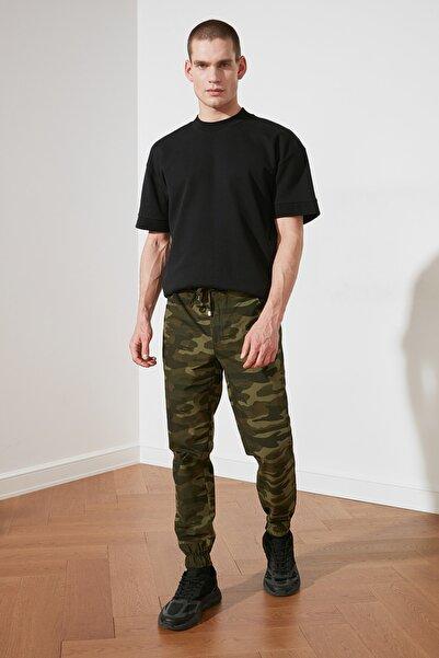 TRENDYOL MAN Haki Erkek Kamuflaj Baskılı Pantolon TMNSS21PL0383