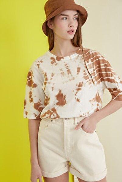 Camel Batik Desen Loose Örme T-Shirt TWOSS21TS0978