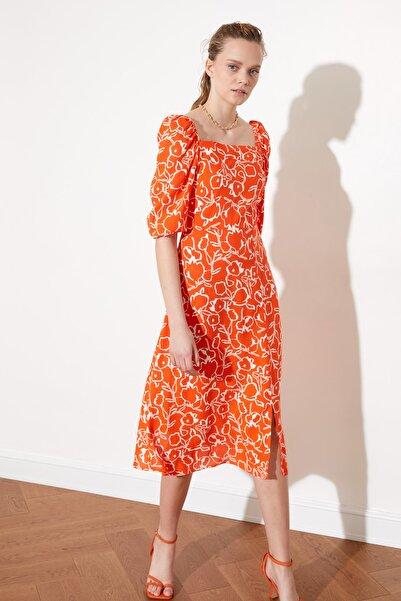TRENDYOLMİLLA Çok Renkli Kare Yaka Desenli Elbise TWOSS21EL0608