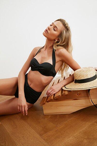TRENDYOLMİLLA Siyah Alternatif Kullanımlı Bikini Üstü TBESS20BU0223