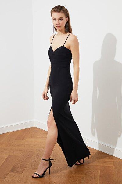 TRENDYOLMİLLA Siyah Yaka Detaylı Abiye & Mezuniyet Elbisesi TPRSS20AE0295