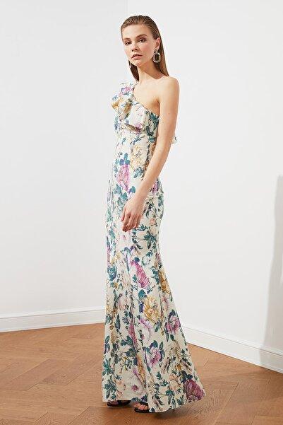 TRENDYOLMİLLA Volanlı Çiçek Desenli  Abiye & Mezuniyet Elbisesi TPRSS20AE0024
