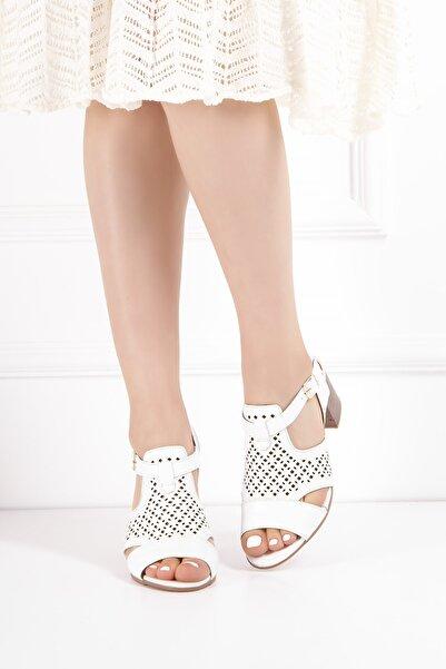 Venüs Kadın Beyaz Hakiki Deri Topuklu Sandalet