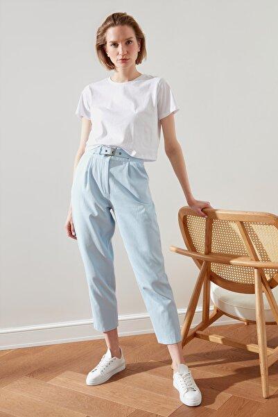 TRENDYOLMİLLA Açık Mavi Kemerli Pantolon TWOSS21PL0267