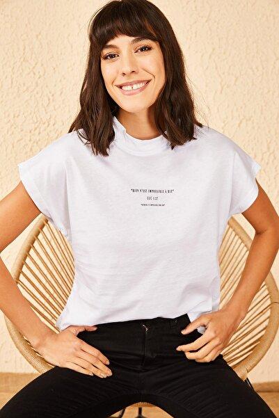 Bianco Lucci Kadın Dik Yaka Yazı Baskılı Basic Tshirt