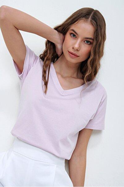 Trend Alaçatı Stili Kadın Lila V Yaka Basıc T-Shırt ALC-1045-A