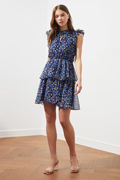 TRENDYOLMİLLA Lacivert Yaka Detaylı Fırfırlı Elbise TWOSS21EL1568