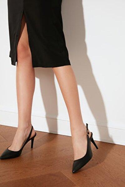 Siyah Kadın Klasik Topuklu Ayakkabı TAKSS21TO0075