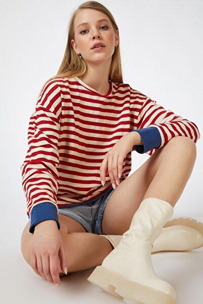 Happiness İst. Kadın Kırmızı Renk Detaylı Çizgili Dökümlü Örme Bluz OX00069
