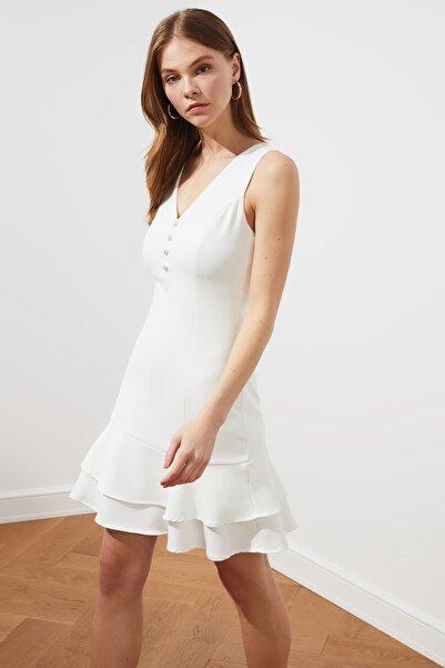 TRENDYOLMİLLA Beyaz Düğme Detaylı Elbise TWOSS19EL0103