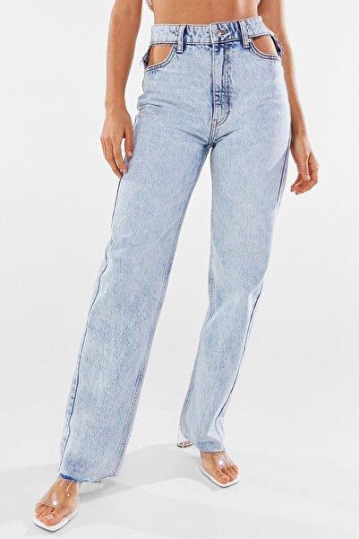 Bershka Kadın Açık Mavi Pencere Detaylı Straight Fit Yüksek Bel Jean