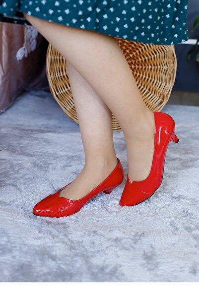 PUNTO Kadın Kırmızı Rugan Fındık Topuklu Ayakkabı