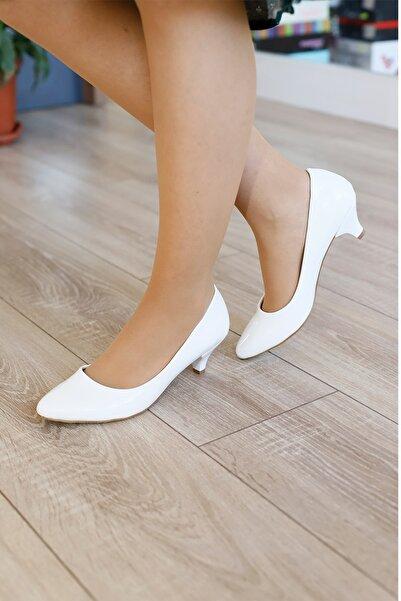 PUNTO Kadın Beyaz Rugan Fındık Topuklu Ayakkabı