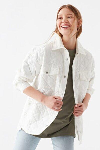 Kadın Kapitoneli Beyaz Ceket 110825-33389