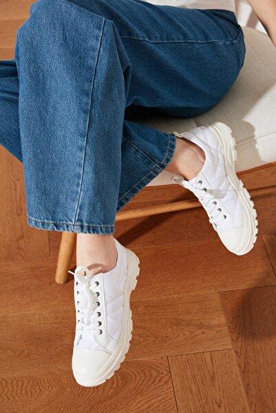 TRENDYOLMİLLA Beyaz Kalın Tabanlı Puffy Kadın Sneaker TAKSS21SN0011