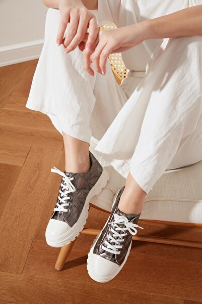 TRENDYOLMİLLA Antrasit Kalın Tabanlı Puffy Kadın Sneaker TAKSS21SN0011
