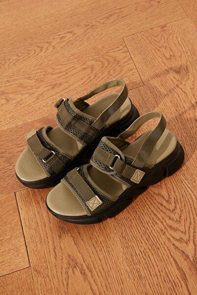 TRENDYOLMİLLA Haki Kadın Sandalet TAKSS21SD0024