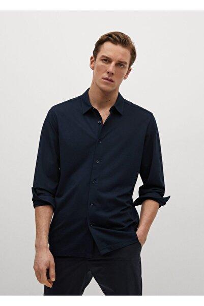 MANGO Man Erkek Lacivert Dar Kesim Teknik Kumaşlı Dökümlü Gömlek
