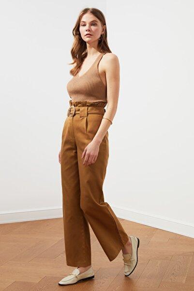 TRENDYOLMİLLA Camel Kemerli Pantolon TWOSS21PL0163