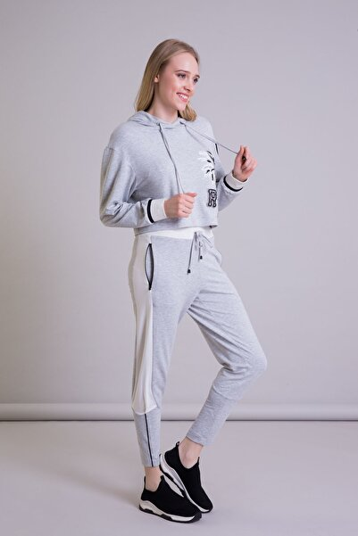 GIZIA SPORT Palmiye Detaylı Gri Crop Kapüşonlu Sweatshirt