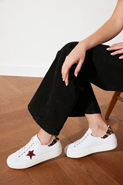TRENDYOLMİLLA Kırmızı Yıldızlı Kadın Sneaker TAKSS21SN0007