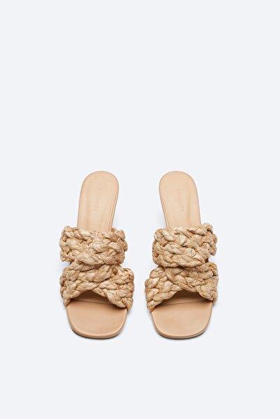 Uterqüe Kadın Ekru Pilili Rafya Sandalet 17506780