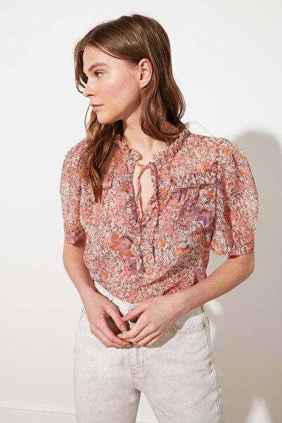 TRENDYOLMİLLA Çok Renkli Dik Yaka Bluz TWOSS21BZ1224
