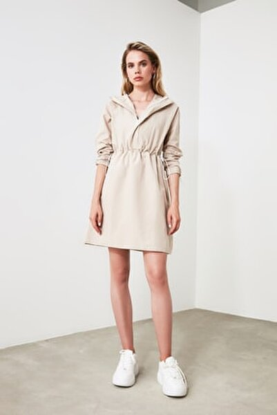 Bej Kapüşonlu Elbise TWOAW20EL0080