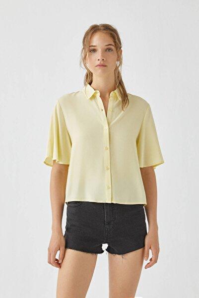 Pull & Bear Kadın Sarı Kolları Dökümlü Basic Gömlek 09470309
