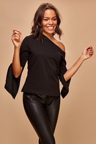 boutiquen Kadın Siyah Geniş Yaka Kol Detaylı Bluz 1298