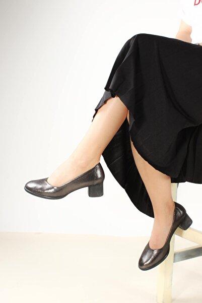 FAST STEP Hakiki Deri Siyah Saten Kadın Kısa Topuklu Ayakkabı 889za892