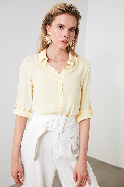 TRENDYOLMİLLA Sarı Basic Gömlek TWOSS19ST0226