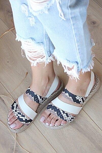 Pembe Potin Kadın Bej Yılan Desenli Sandalet