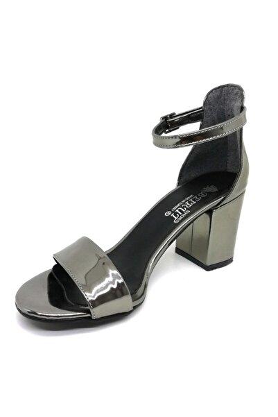 Lion Kadın Koyu Gümüş Rugan Tek Bant Yüksek Topuklu Ayakkabı