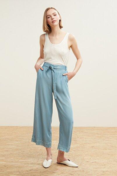 Kadın Açık Mavi Kuşaklı Beli Lastikli Pantolon (Tencel) 381570