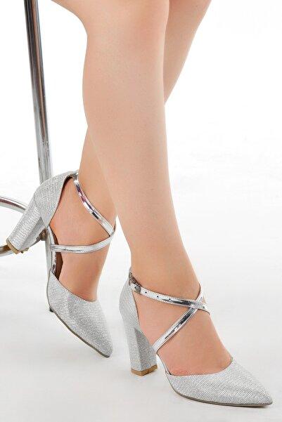 Ayakland Kadın Gümüş Renk Tier 13600 Kum Simli 8 cm Topuk  Ayakkabı