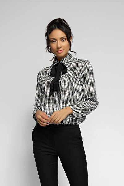 Kadın Siyah Kazayağı Desen Dökümlü Gömlek