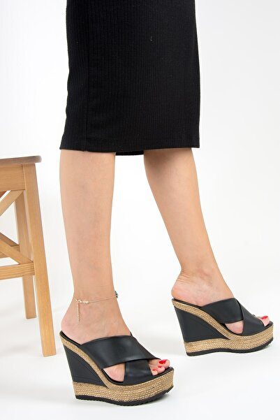 Fox Shoes Kadın Siyah Topuklu Terlik F674072009