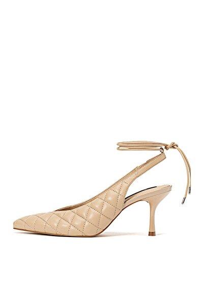 Stradivarius Kadın Bej Yüksek Topuklu Kapitone Ayakkabı 19653670