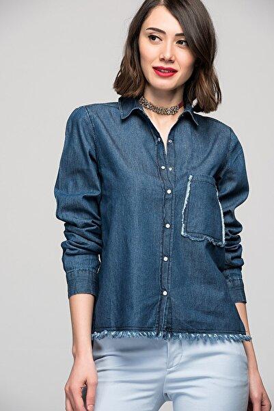 Womenice Kadın Koyu Denim Tek Cep Gömlek