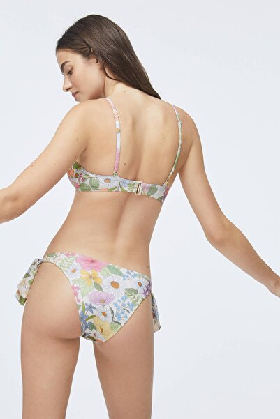Kadın Ekru Volanlı Bikini Üstü