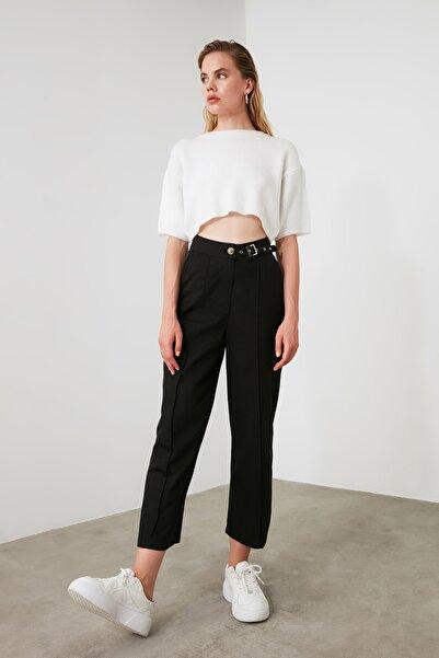TRENDYOLMİLLA Siyah Kemerli Geniş Paça Pantolon TWOAW21PL0209