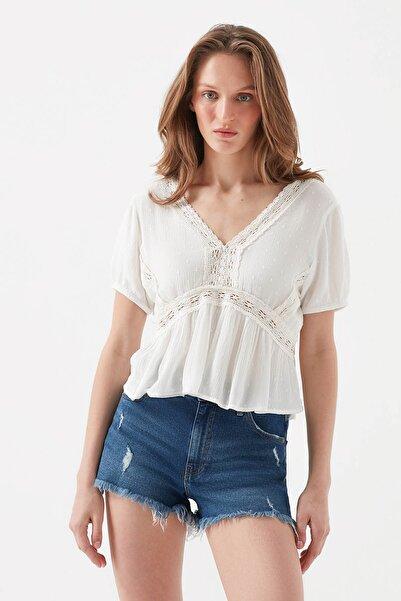 Kadın V Yaka Beyaz Bluz 122498-30701
