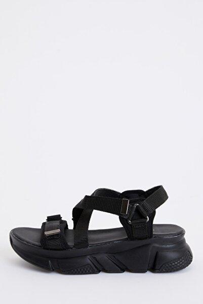 DeFacto Kadın Siyah Ugly Sandalet R8526AZ20SP