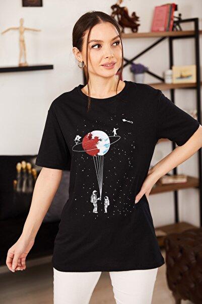 armonika Kadın Siyah Satürn Baskılı T-Shirt ARM-20Y012007