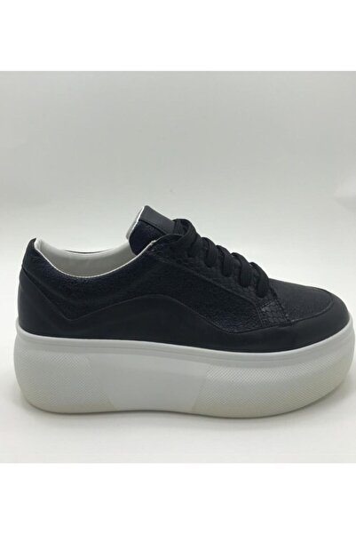 Gusto Kadın Siyah  Kalın Taban Kadın Yılan Derili Sneaker
