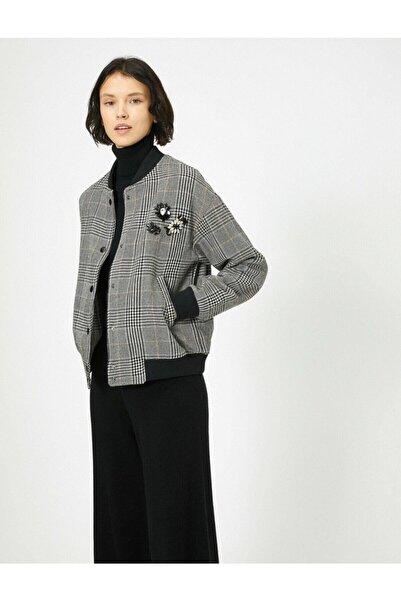 Koton Kadın Işlemeli Cep Detaylı Kareli Ceket