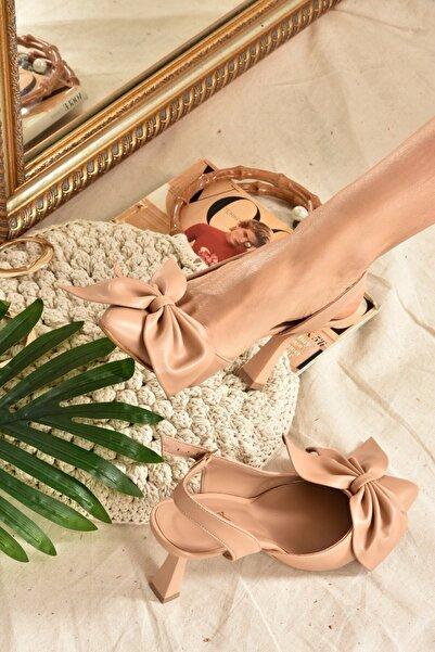 Fox Shoes Kadın Topuklu Ayakkabı Ten Kurdele Detaylı  K922164809