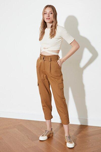 TRENDYOLMİLLA Camel Paça Detaylı Pantolon TWOSS21PL0138