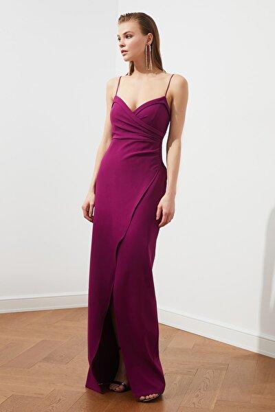 TRENDYOLMİLLA Mürdüm Yaka Detaylı Abiye & Mezuniyet Elbisesi TPRSS21AE0045